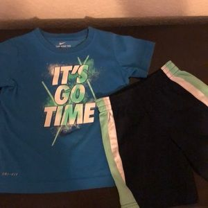 Nike Boys outfit 4t